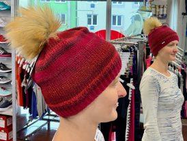 Pletená zimná čiapka s kožušinkovým brmbolcom Eisbär Artist Lux Merino Zima 2019/20