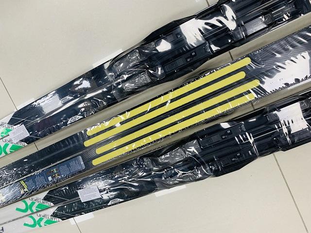 Bežky s mohérovými pásmi a viazaním FISCHER Twin Skin Sport EF Mounted 2019/20