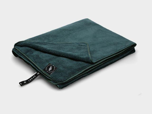 AKCIA: Športový uterák 4F Microfibre Towel 80 cm x 130 cm