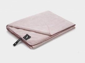 Športový uterák 4F Microfibre Towel 80 cm x 130 cm